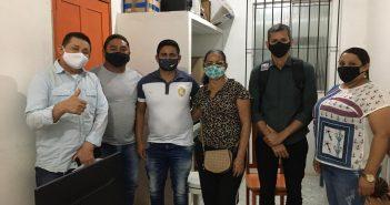 Vereadores se reúnem com o Prefeito Boró para conseguir mais balões de oxigênio para o município de Anajás-PA